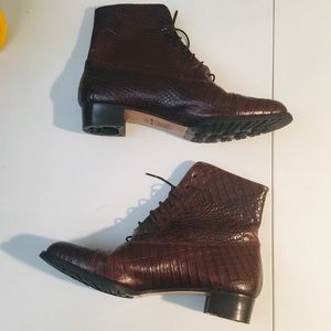 Joan & David Leather Heeled Lace Up Boots